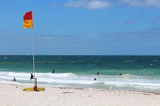 Beach enclosure to protect Sorrento swimmers